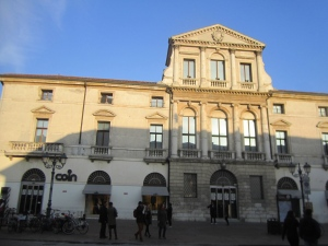 COIN & Palazzo Capra