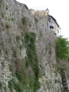 Walls Cortona